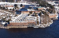 The hydroelectric complex of Shawinigan under a mantle of snow