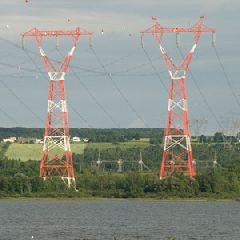 Picture of two towers that carry electricity over the St.Lawrence River to Île d'Orléans